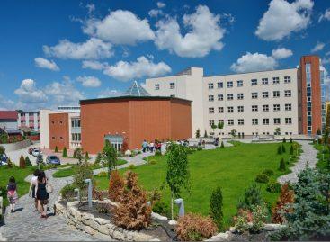 """UMF """"Iuliu Hațieganu"""" se află din nou printre primele 1.000 de universități din lume și pe locul al doilea la nivel național, în Times Higher Education World University Rankings 2022"""